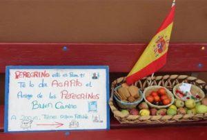Evidence of the generosity of locals toward pilgrims near León