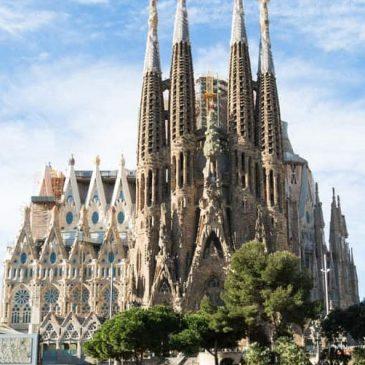 Antoni Gaudí, the outstanding Catalan architect – Fool or Genius?